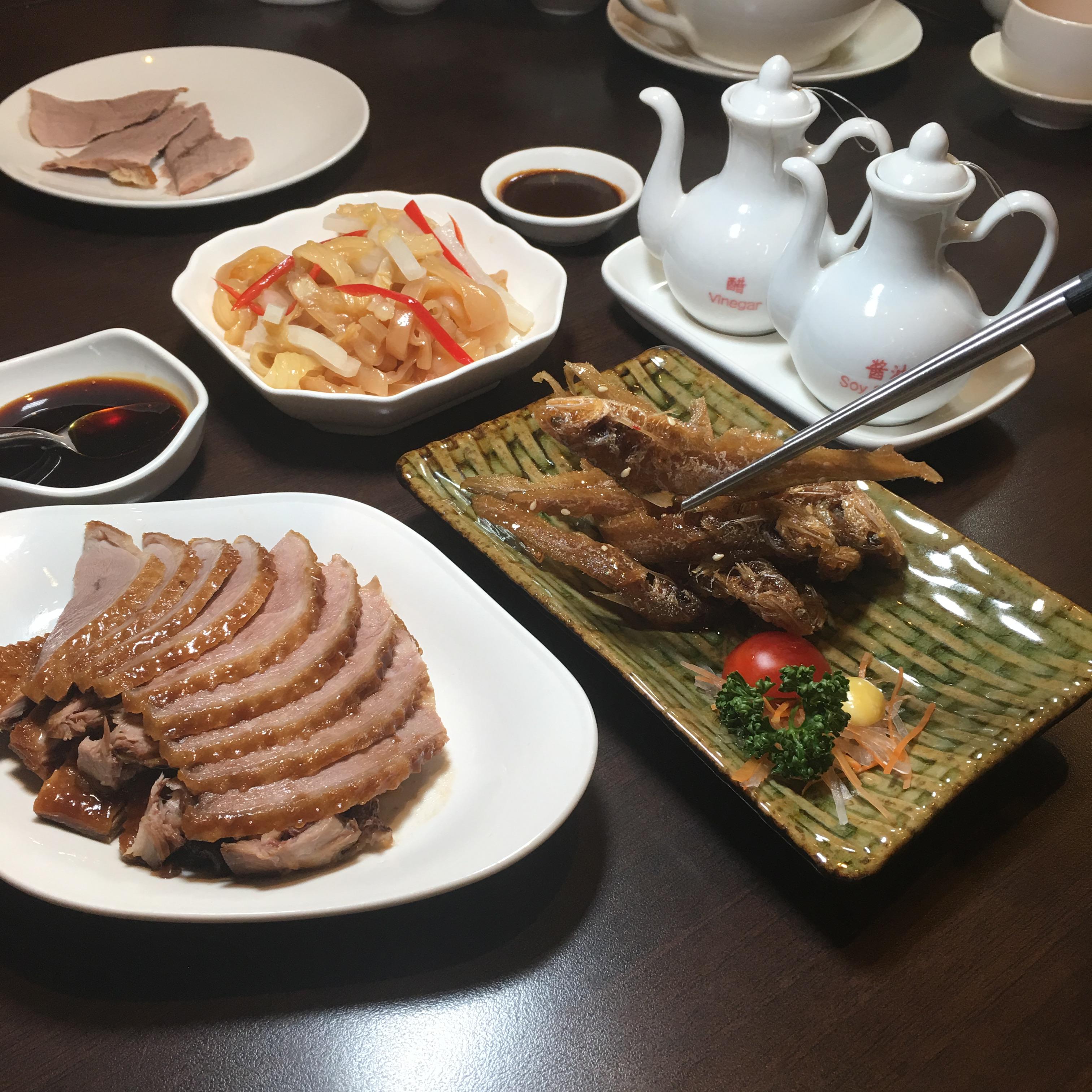 點水樓:上海醬鴨、五香鳳尾魚、銀絲蜇皮